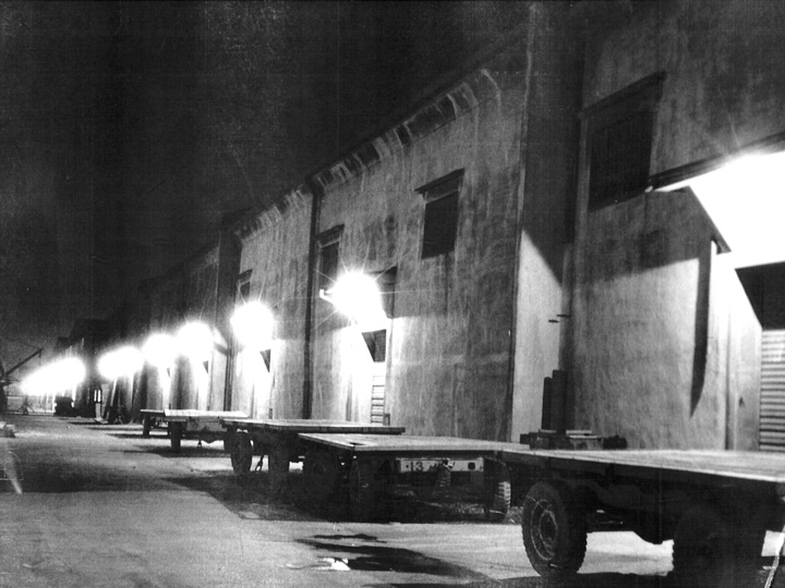 昭和34年7月頃撮影_当社構内の夜の風景(高島営業所)